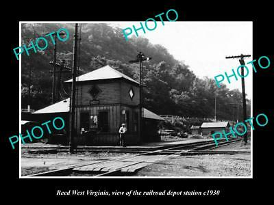 OLD LARGE HISTORIC PHOTO OF REED WEST VIRGINIA, THE RAILROAD DEPOT c1930