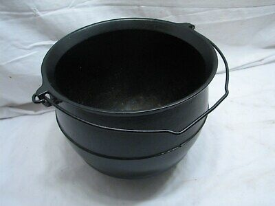 Antique Griswold Cast Iron Gypsy Kettle Bean Pot 3 Foot Footed w/Bail