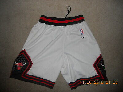 7d6009d61 Chicago Bulls NBA Basketball Shorts Nike Rewind 1984 Throwback White Medium  Rare