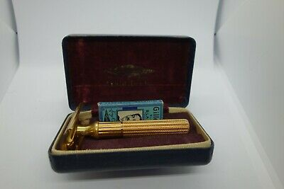 1940's Gillette fat handle Gold Tech with case and blades. Safety Razor, DE.
