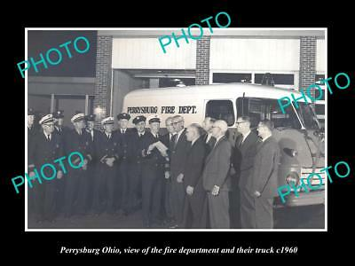 OLD LARGE HISTORIC PHOTO OF PERRYSBURG OHIO, THE TOWN FIRE DEPARTMENT c1960