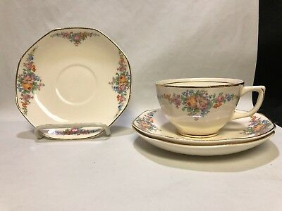 Antique Homer Laughlin Floral Garland Pattern 1 Tea Cup & 3 Octagonal Saucers