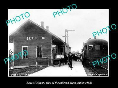 OLD LARGE HISTORIC PHOTO OF ELSIE MICHIGAN, VIEW OF THE RAILROAD DEPOT c1920