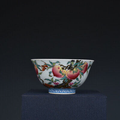 Fine Chinese old Porcelain Qing qianlong mark famille rose peach Bat teacup
