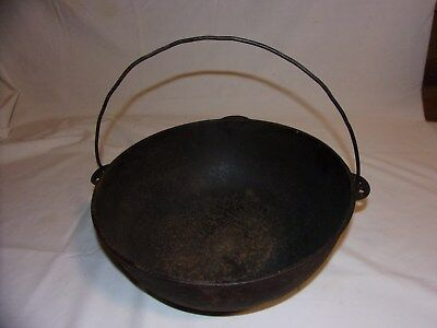 Antique Wagner Sidney O Cast Iron  #4 Hanging Kettle TM Dates 1910 -1915