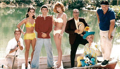 Classic Tv Show Gilligans Island Cast In Boat Full Color Publicity Photo