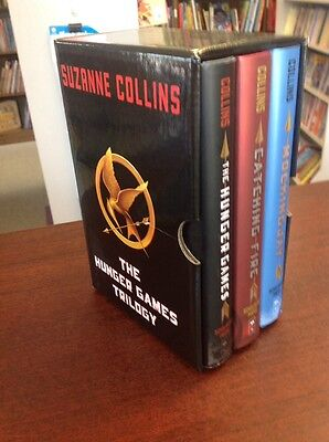 Complete Set Lot of 3 HUNGER GAMES All HC BOX SET Mockingjay Catching Fire L2