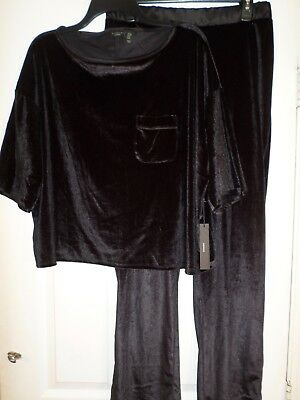 BNWT  Tahari Velvet Feel Pajamas/Sleepwear Size Large Women's  Black-Soft