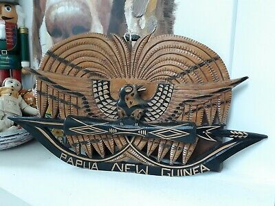 """An outstanding Tribal Artifact """"papua new Guinea coat of arms"""" carving - wood"""