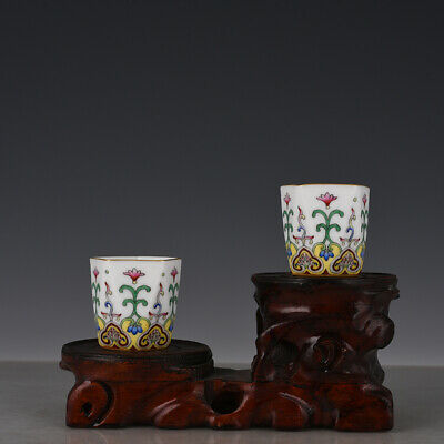 A pair Chinese old Porcelain Qianlong mark colour enamels flower rhombic cup