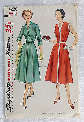 Vintage 1940s 1950s SIMPLICITY Women Sewing Pattern 4220 One-Piece Dress B32