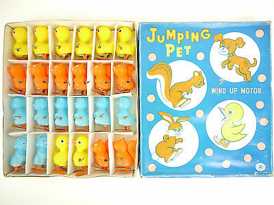 Modern Toys 3324 MT Jumping Pet Wind Up Japan Händlerkarton OVP 1602-16-09
