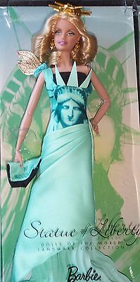 2009 Dolls Of The World Landmark Collection * Statue Of Liberty *