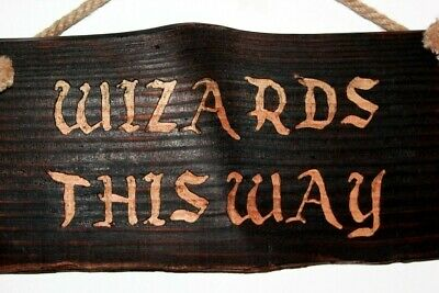 Hand made - Wizards This Way - Hogwarts Harry Potter wooden sign Deco