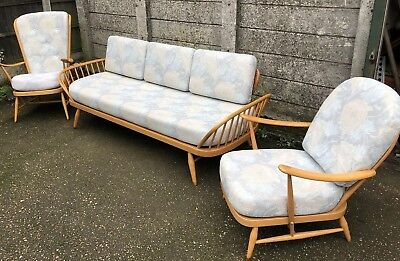 Outstanding Retro Ercol Sofa/Daybed/Suite   Delivery Available