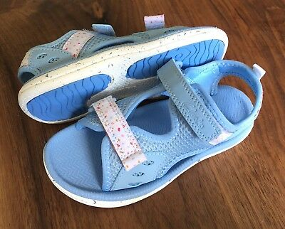 "Clarks Girls ""STAR GAMES"" Pale Blue Washable Sandals Size 6F.New"