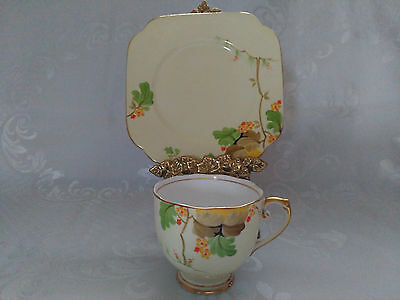 Stunning Vintage Roslyn China Hand Painted Tea cup andTea Plate 8223
