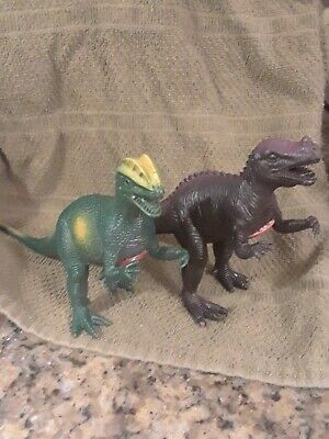 Action Figures Lot Of Small Dinasaurs B22