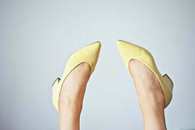 2c8b6db1680    J. Renee Pale Yellow Shoes application front bow size 9 W Great
