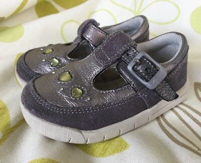 CLARKS GIRLS GREY SILVER JEWELLED SHOES size 4F