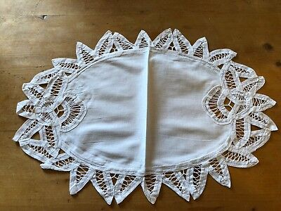 "BRAND NEW OVAL WHITE 16.5"" x 11.5"" 100% COTTON TRADITIONAL PLACEMAT"