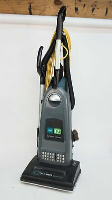 Tennant V-SMU-14 Commercial Upright Vacuum Cleaner *Parts or Repair*