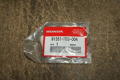 HONDA GENUINE TRX250 TRX420 TRX300 REAR BRAKE HUB DUST SEAL 91351-HB3-004   nos