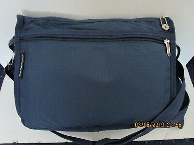 Samsonite Modern Utility Messenger Bag New with Tags Navy Blue