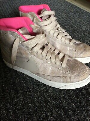 aaffb46b WOMENS NIKE HIGH Tops 8.5