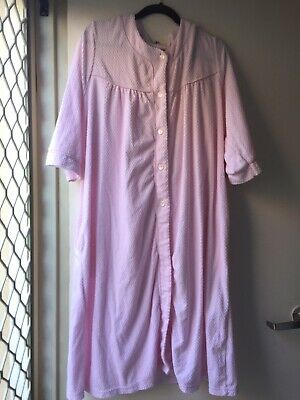 Givoni - as new!Dressing gown bargain! SizeL pink