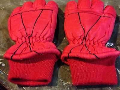 PARIS ACCESSORIES INC. RED GLOVES Thinsulate Insulation