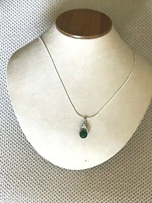 Beautiful 100% Hand carved Chinese green Jade Pendant, silver chain