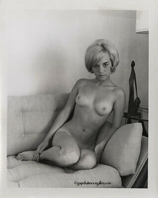 Bunny Yeager Estate 60s Photograph Pretty Pin-up Mod Nude Model With Tan Lines