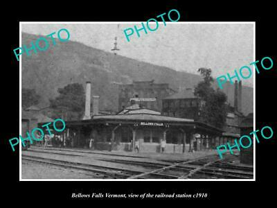 OLD 8x6 HISTORIC PHOTO OF BELLOW FALLS VERMONT RAILROAD STATION c1910