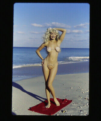 Bunny Yeager 1960s Color Slide Transparency Pretty Beach Comber Blonde Pin-up NR