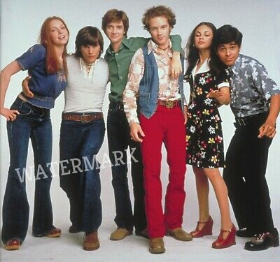 CAST OF THAT 70'S SHOW ALL THE KIDS Mila Kunis Laura Prepon ECT. PUBLICITY PHOTO