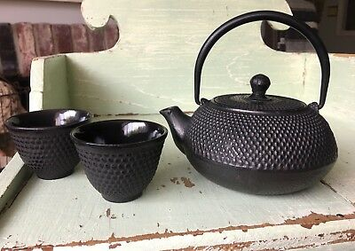 Vintage Black Hobnail Cast Iron Tetsubin Japanese Teapot Cups Set