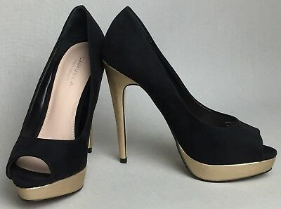 4d26ea8d97 ... size 5 Brand new with box.