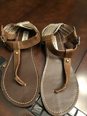 33f879b962d Women s Steve Madden Gladiator Brown and Gold Sandals- Size 8.5- Pre-owned