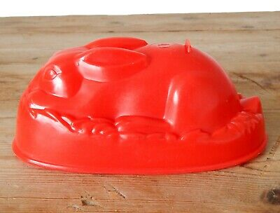 Vintage Retro Early Plastic Rabbit Jelly Pudding Mould Red Mid Century