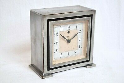 1930s TEMCO ELECTRIC ART DECO CHROME/ BAKELITE CASED VINTAGE MANTEL CLOCK
