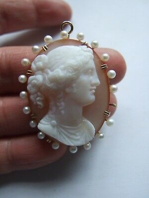 VICTORIAN HARD STONE AGATE CAMEO & CULTURED PEARLS 15k GOLD BROOCH / PENDANT