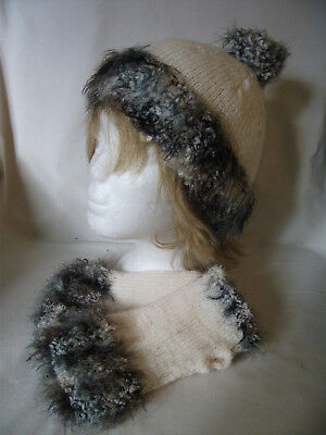 Hand-knitted Hat and Wrist Warmers – Ref 1807
