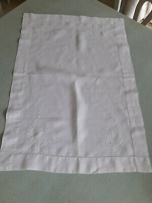 Vintage  White  Irish Linen  Table Centre Cloth Embroidered With Shamrock