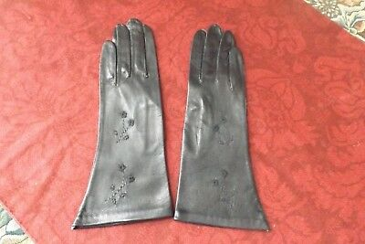 Vintage women Bambergers black Leather embroidered Gloves 6 1/2 Made in Italy