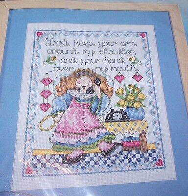 Cute Design Works HAND OVER MOUTH Counted Cross Stitch Kit