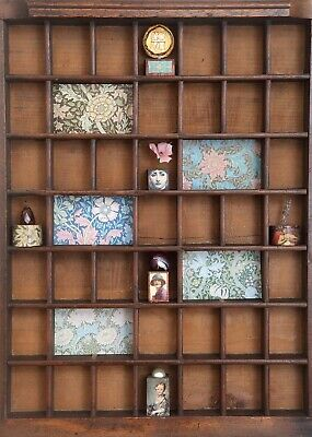Lovely Small Vintage Wooden Printers Tray Artwork with William Morris Theme