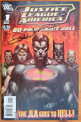 Justice League of America GIANT 80 PAGE 2011 SIGNED ORTEGO & LUPACCHINO