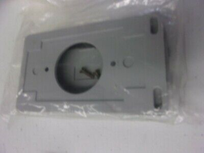 Scepter Wtl30 Pvc Single Gang Outlet Cover Twist-Lock 30Amp Gray 78906