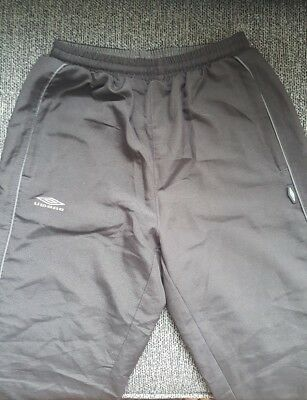 Boys Black UMBRO Jogging Bottoms Age 9-10yrs VGC